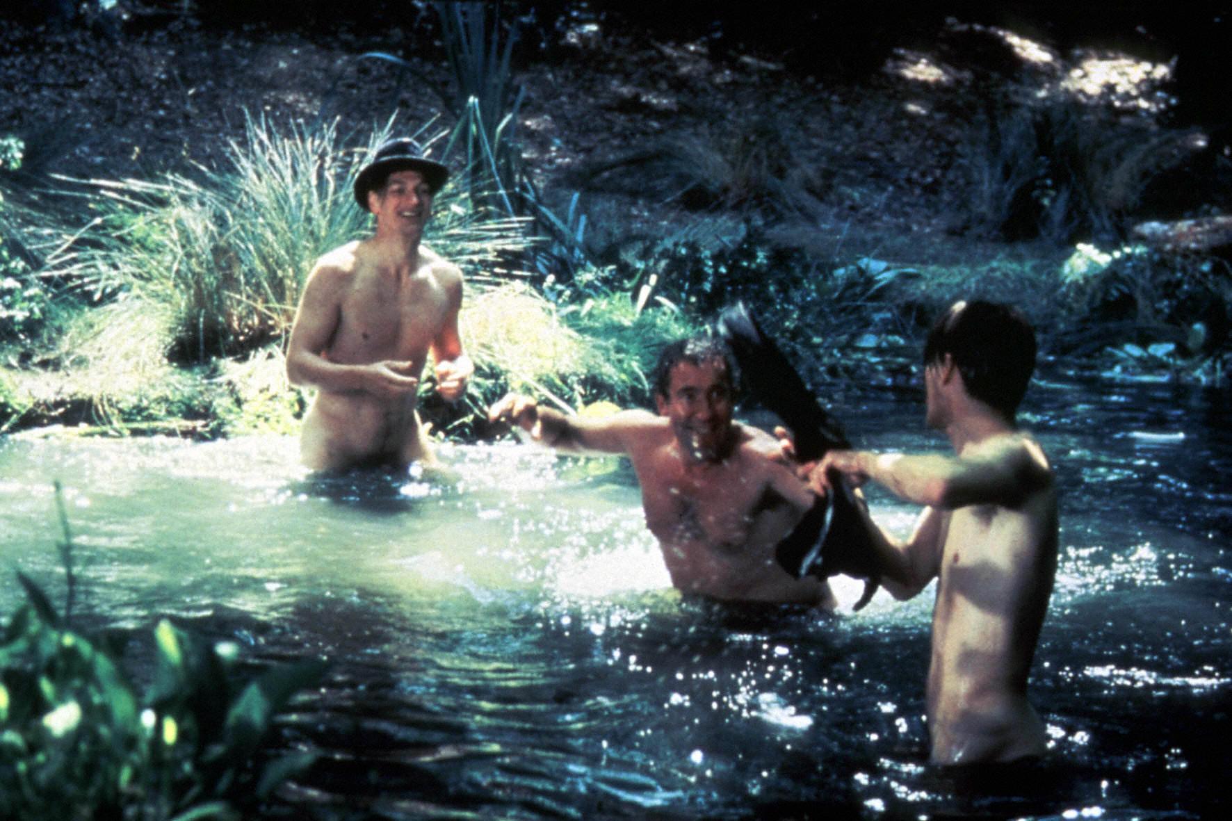 film-kupanie-golishom